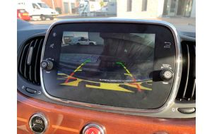 Fiat achteruitrijcamera met inbouw
